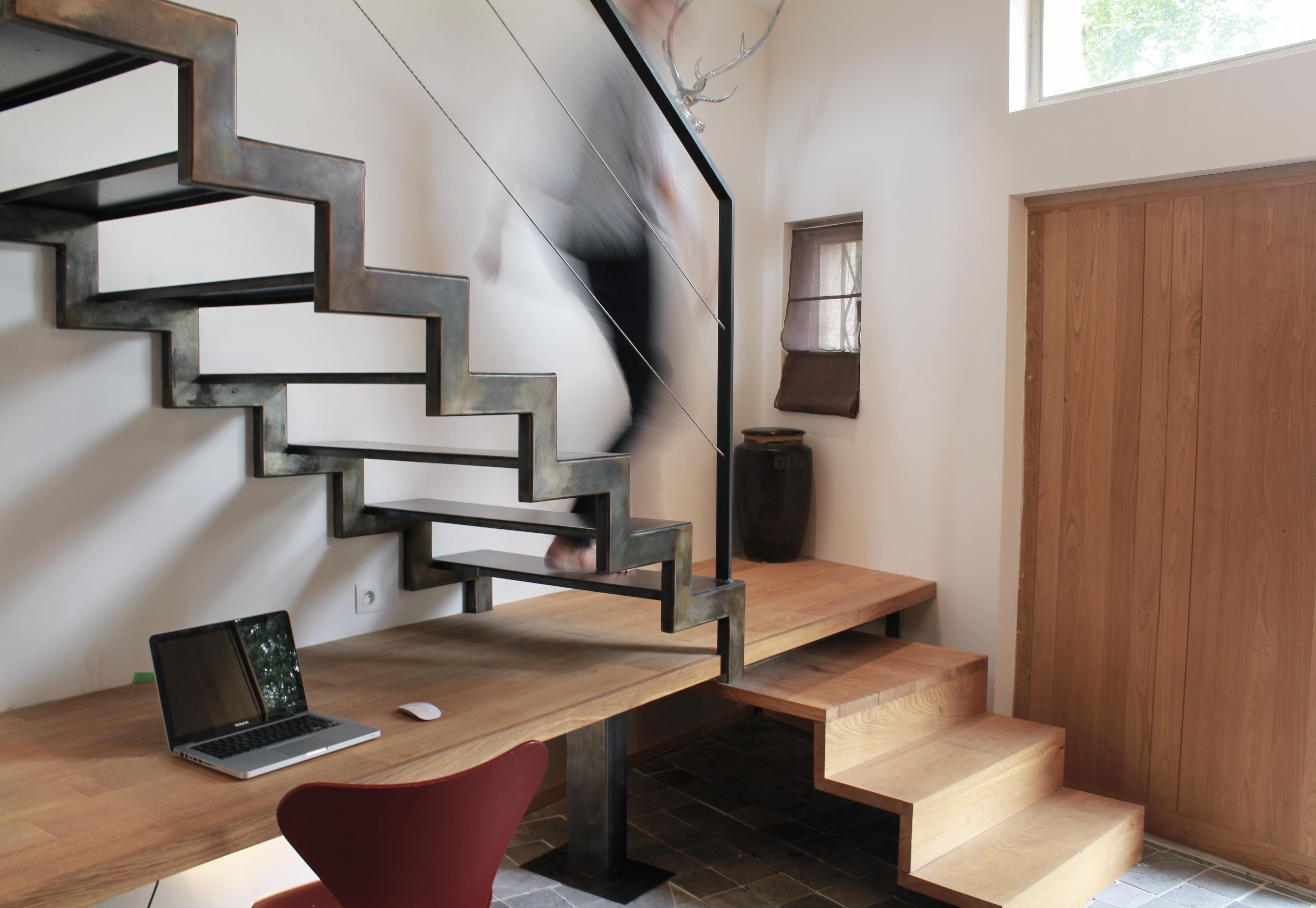 cr ation d un escalier sur mesure avec coin bureau toulouse. Black Bedroom Furniture Sets. Home Design Ideas